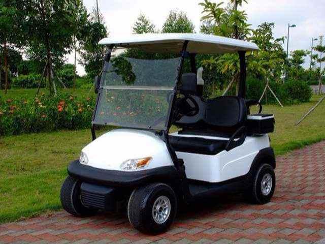 2座电动高尔夫球车