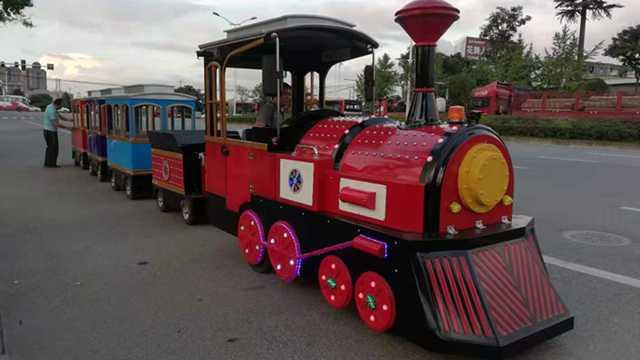 游乐小火车