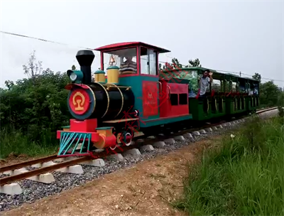 见红轨道观光车