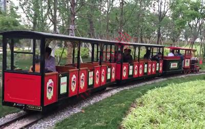 轨道观光小火车