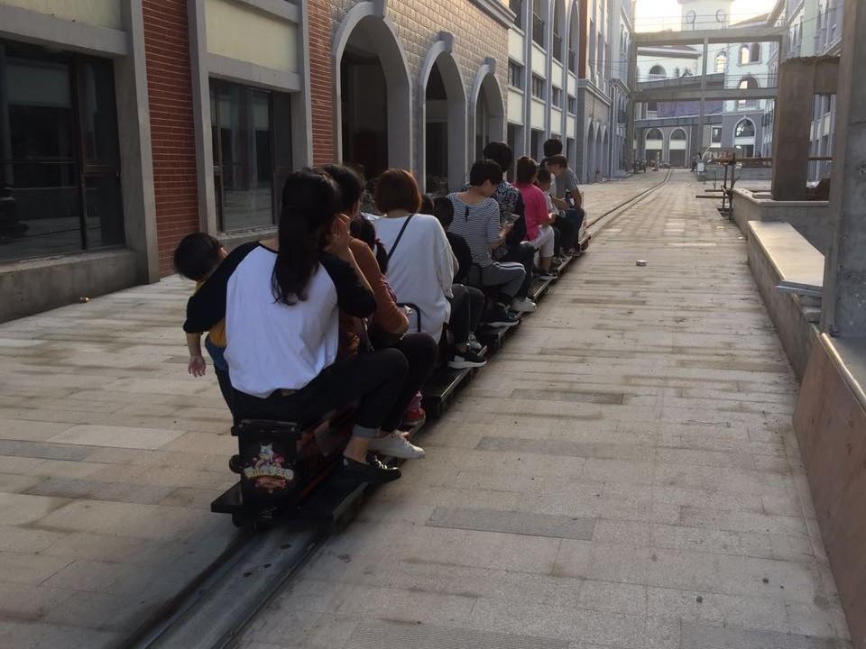 15座亲子游乐公园景区轨道小火车-DST-G3-E15